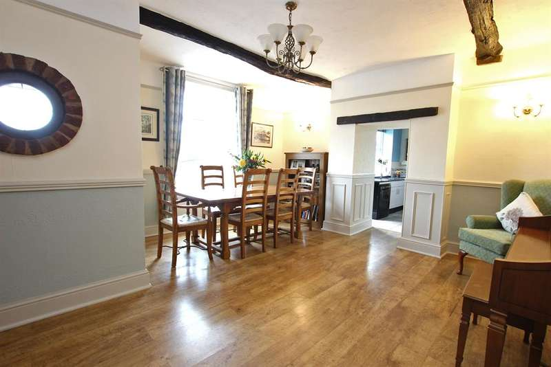 4 Bedrooms Semi Detached House for sale in 'Fox Hill Cottage', Darwen, BB3 2HA