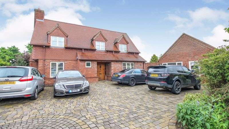 3 Bedrooms Property for sale in Orchard Close, Newton-On-Trent, Lincoln, LN1