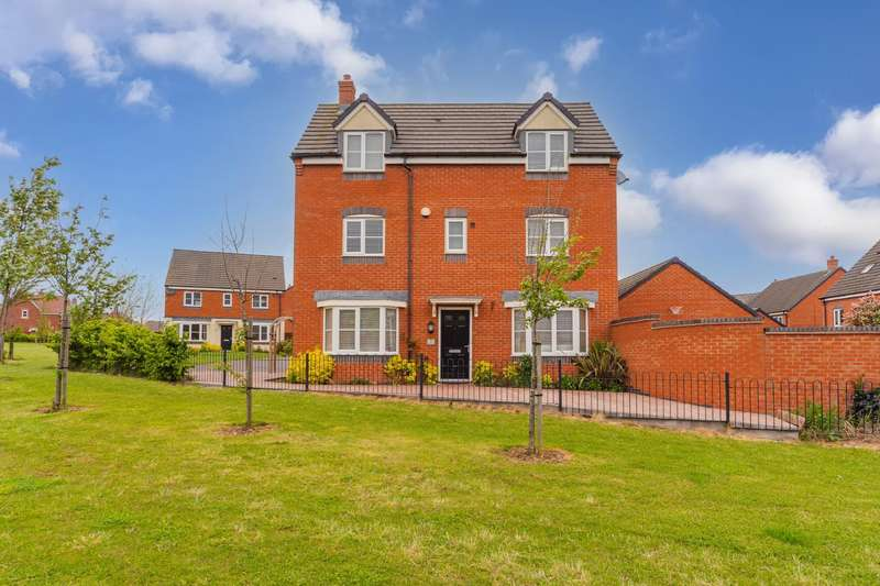 4 Bedrooms Detached House for sale in Pasture Drive, Birstall, Leicester