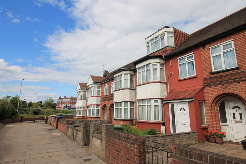 4 Bedrooms Land Commercial for sale in Winsford Terrace, Great Cambridge Road