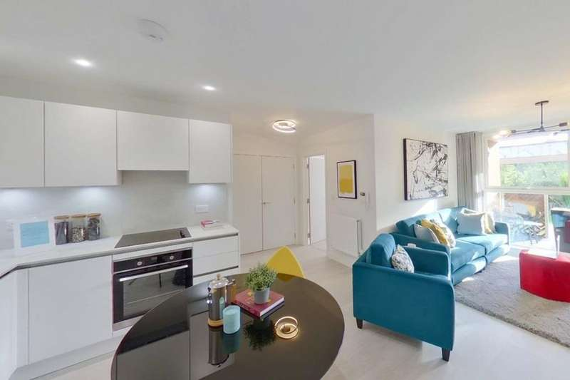 1 Bedroom Flat for sale in Soleil Apartments, Western Circus, Acton, Western Avenue, Acton, LONDON, W3 7XX