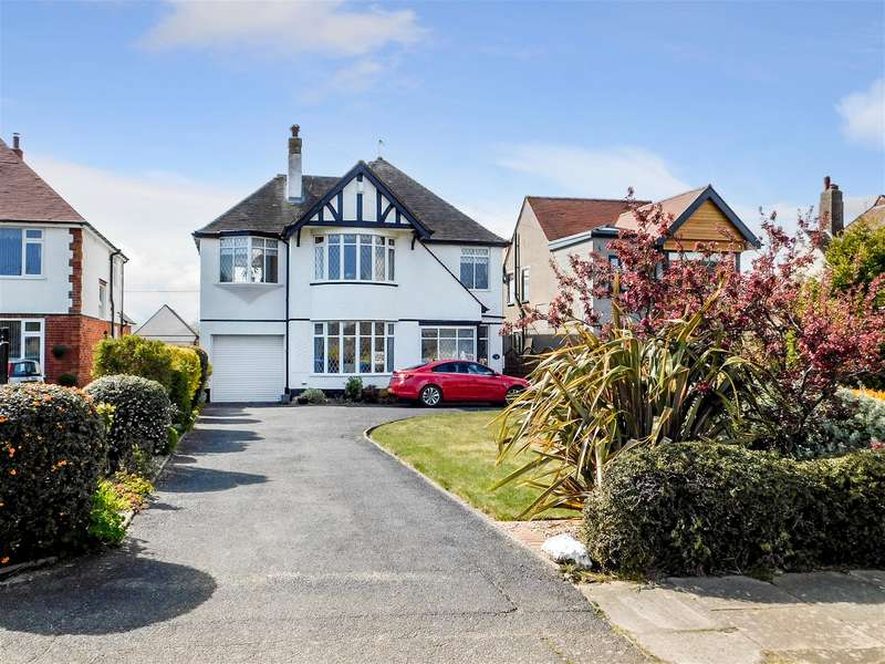 4 Bedrooms Detached House for sale in Drummond Road, Skegness, Lincs, PE25 3AY