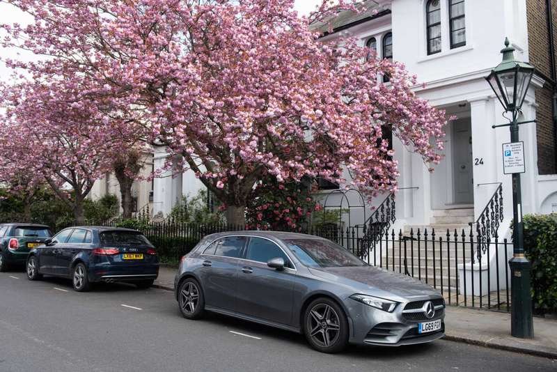 5 Bedrooms House for sale in Launceston Place, W8