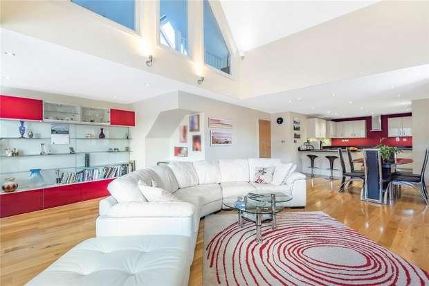 2 Bedrooms Flat for sale in Castle Lane, Bedford