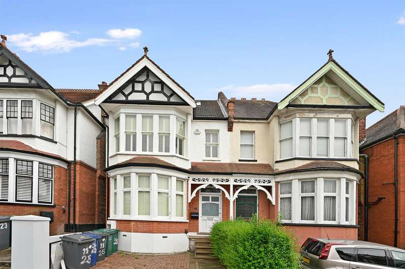 5 Bedrooms Semi Detached House for rent in Avondale Avenue, Finchley, London
