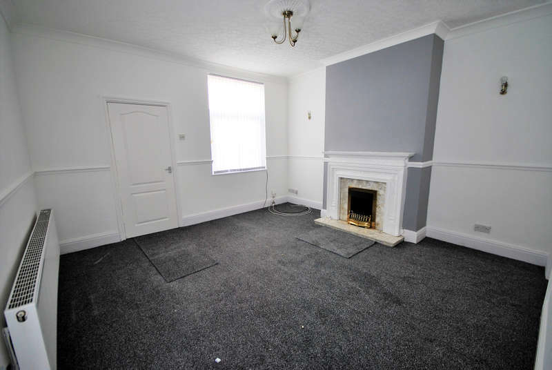 2 Bedrooms End Of Terrace House for rent in Coniston Street, Burnley, BB12