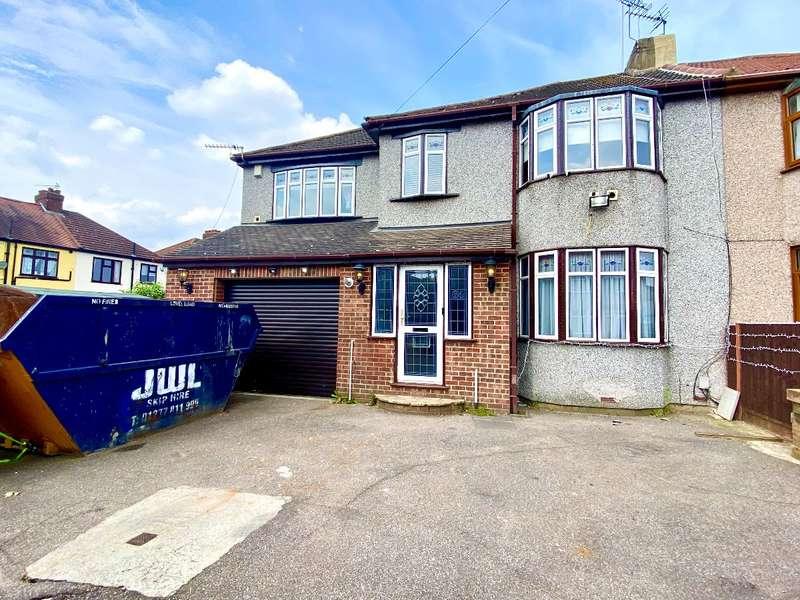 5 Bedrooms Semi Detached House for sale in Weald Way, Romford