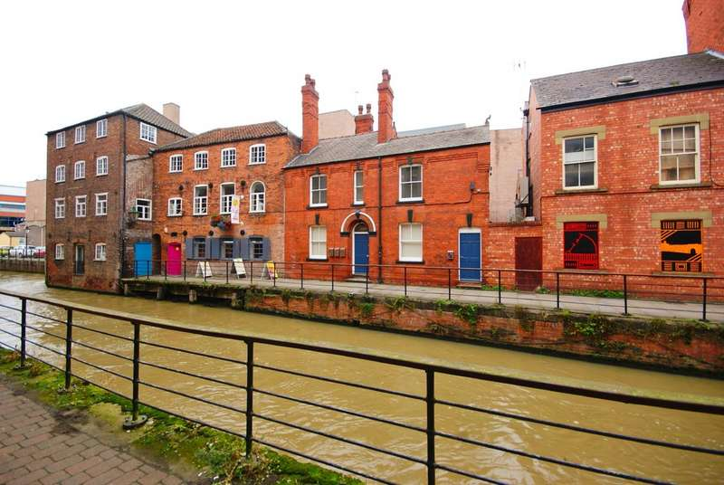 2 Bedrooms Property for rent in The Glory Hole, Lincoln, LN2