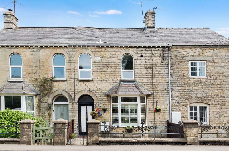 3 Bedrooms Terraced House for sale in London Road, Tetbury, Gloucestershire, GL8
