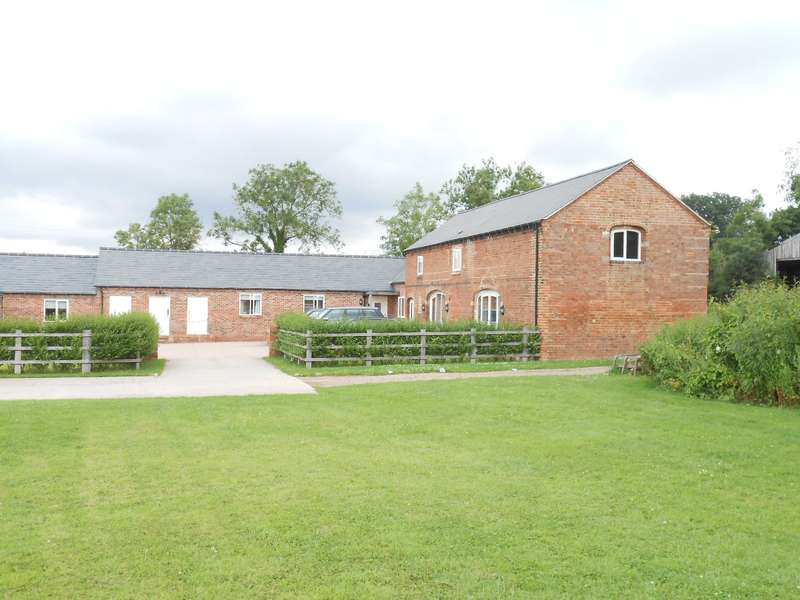 3 Bedrooms Barn Conversion Character Property for rent in Kilby Road, Wistow, Leicester