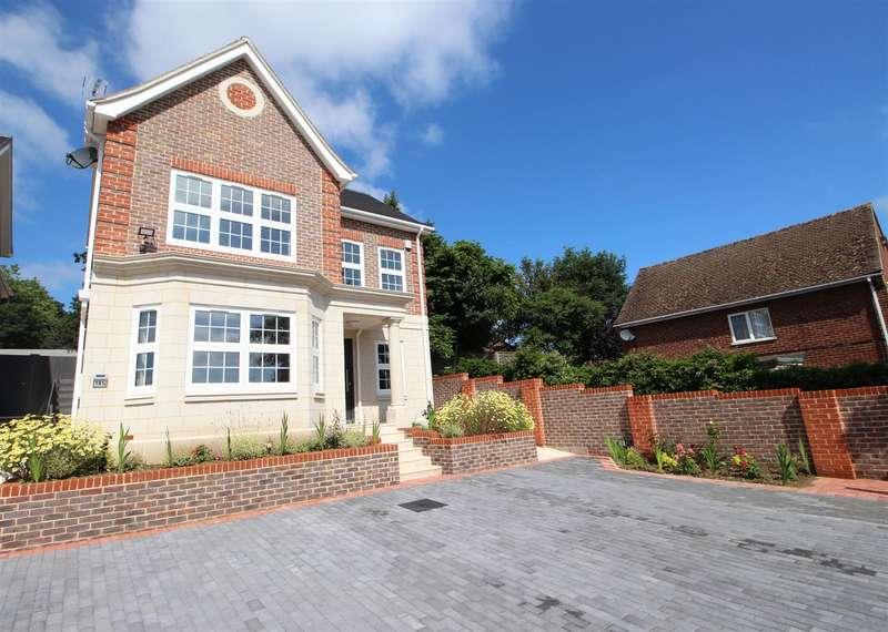4 Bedrooms Detached House for sale in Kentwood Hill, Tilehurst, Reading