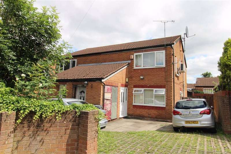 2 Bedrooms Flat for sale in Pink Bank Lane, Manchester
