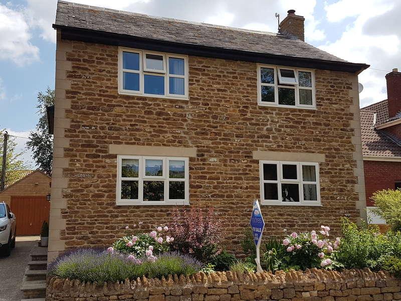 4 Bedrooms Detached House for sale in Edmondthorpe Road, Wymondham