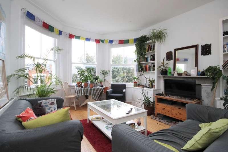 3 Bedrooms Flat for rent in Mount View Road, Stroud Green, N4