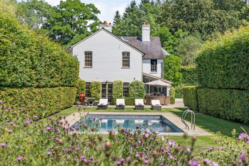 6 Bedrooms Detached House for sale in Coombe Lane, Ascot, Berkshire
