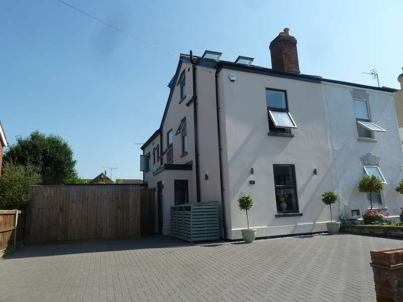 4 Bedrooms Semi Detached House for sale in Church Road, Longlevens, Gloucester, GL2