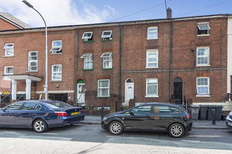 4 Bedrooms Terraced House for sale in Reading, Berkshire, RG1