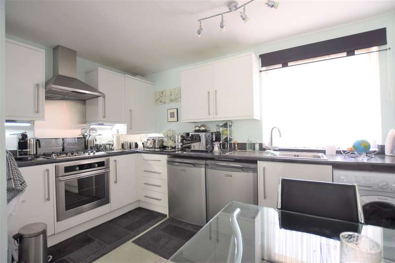 2 Bedrooms Flat for sale in Hare Lane, Gloucester, GL1