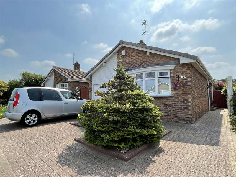 2 Bedrooms Detached Bungalow for sale in Rogerley Close, Lytham