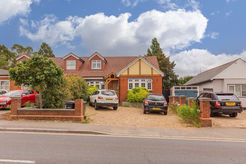 5 Bedrooms Semi Detached House for sale in Down Hall Road, Rayleigh
