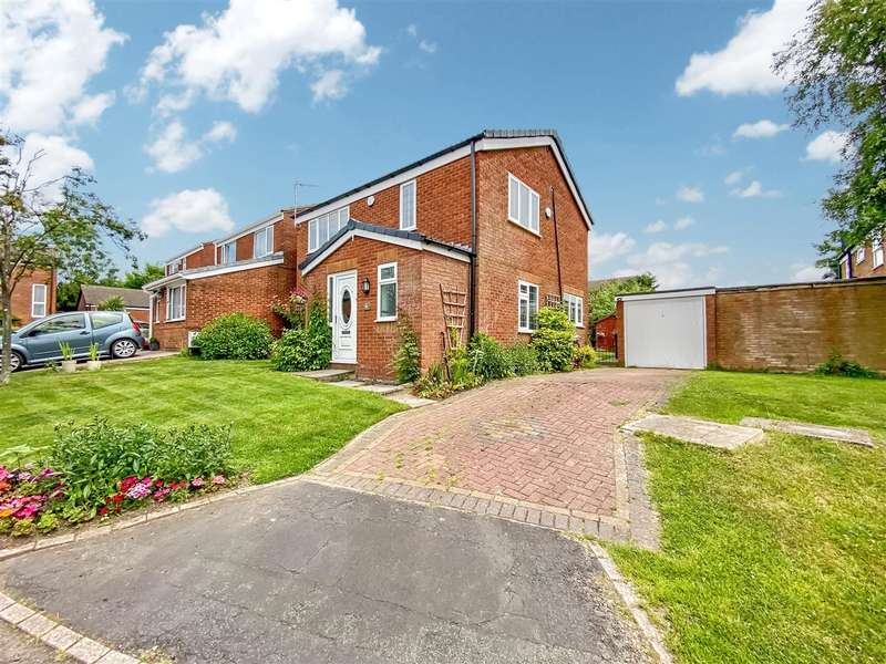 4 Bedrooms Detached House for sale in Higher Meadow, Clayton Le Woods
