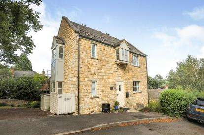 3 Bedrooms Semi Detached House for sale in Millview, Blockley Court, Blockley, Moreton-in-Marsh