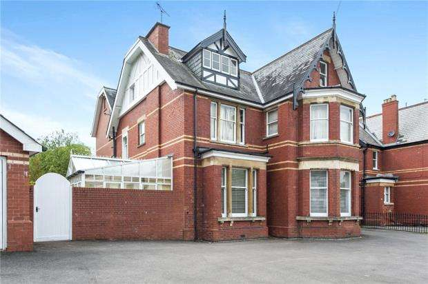 1 Bedroom Apartment Flat for sale in St. Georges Road, Cheltenham, Gloucestershire