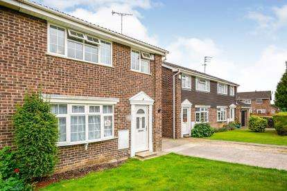 3 Bedrooms Semi Detached House for sale in Redstart Way, Abbeydale, Gloucester, Gloucestershire
