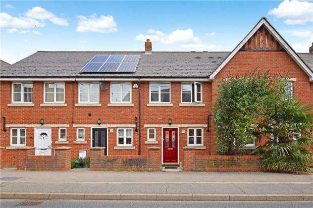 2 Bedrooms Terraced House for sale in Kings Road, Halstead, Essex