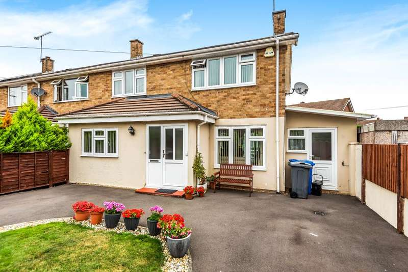 3 Bedrooms Semi Detached House for sale in Holyport, Maidenhead, SL6
