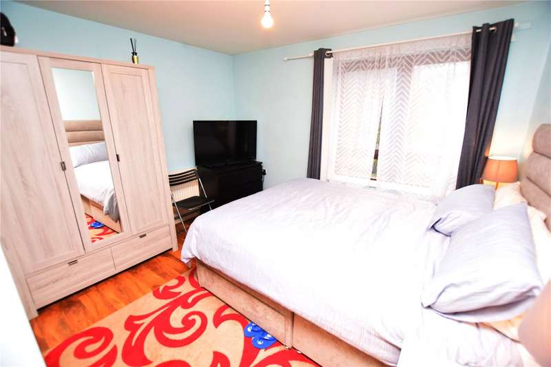 2 Bedrooms Apartment Flat for sale in Brooklands Road, Romford, RM7