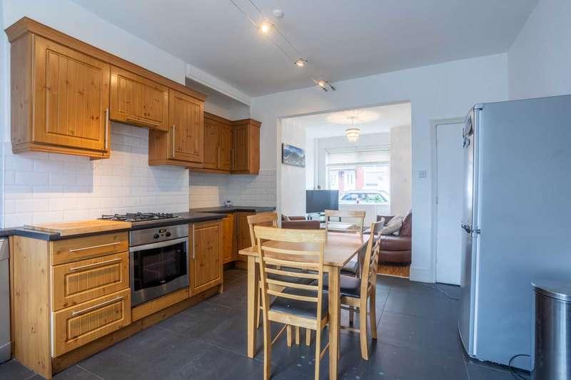 2 Bedrooms Terraced House for sale in Milton Road, Prestwich