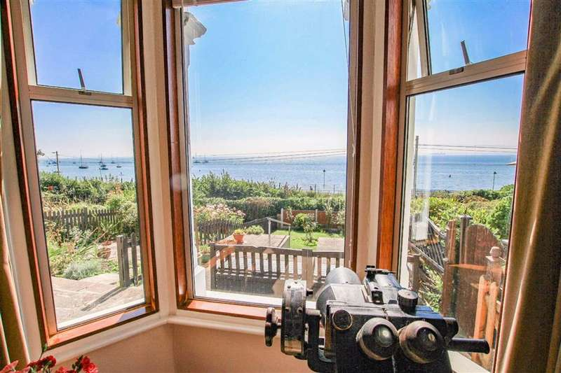 2 Bedrooms Terraced House for sale in The Gardens, Leigh-on-Sea, Essex
