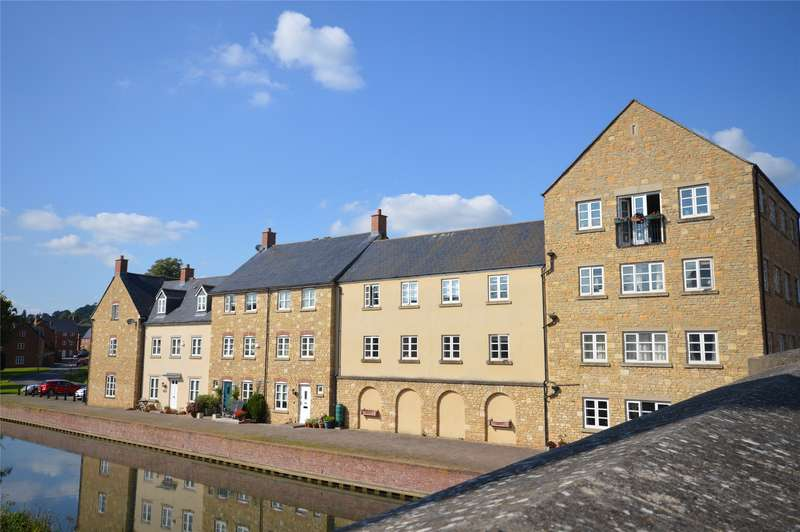 2 Bedrooms Flat for sale in Home Orchard, Ebley, Stroud, GL5