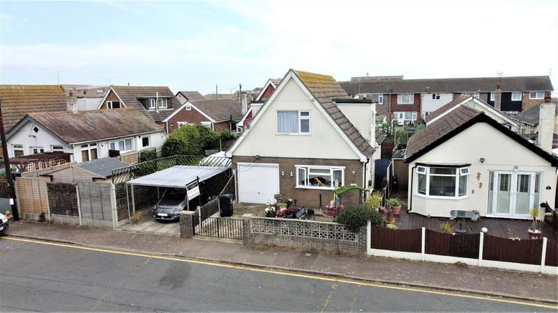 2 Bedrooms House for sale in St Christophers Way, Jaywick