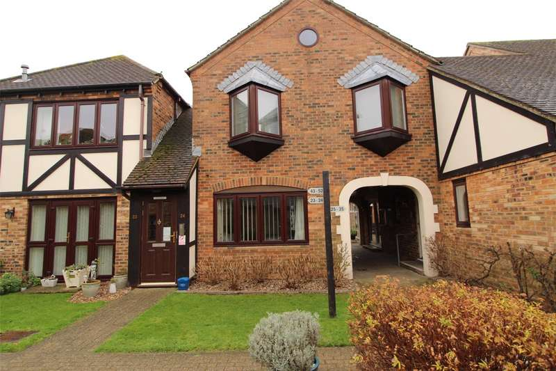 2 Bedrooms Apartment Flat for sale in Orchard Mead, Eastwood Road North, Leigh-on-Sea, SS9