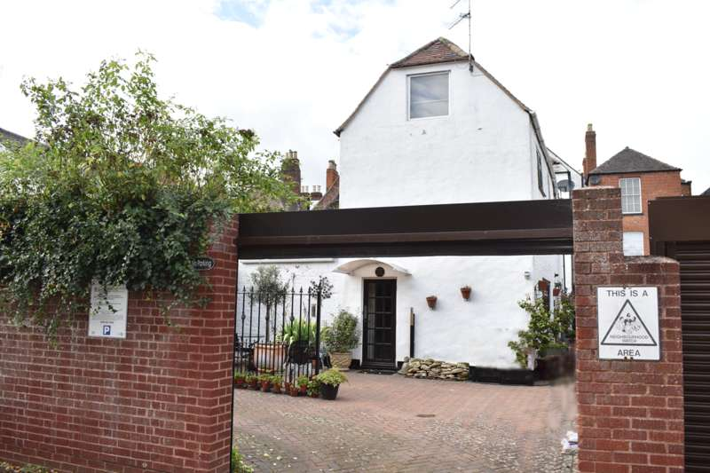 2 Bedrooms Cottage House for sale in Church Street, Tewkesbury, GL20