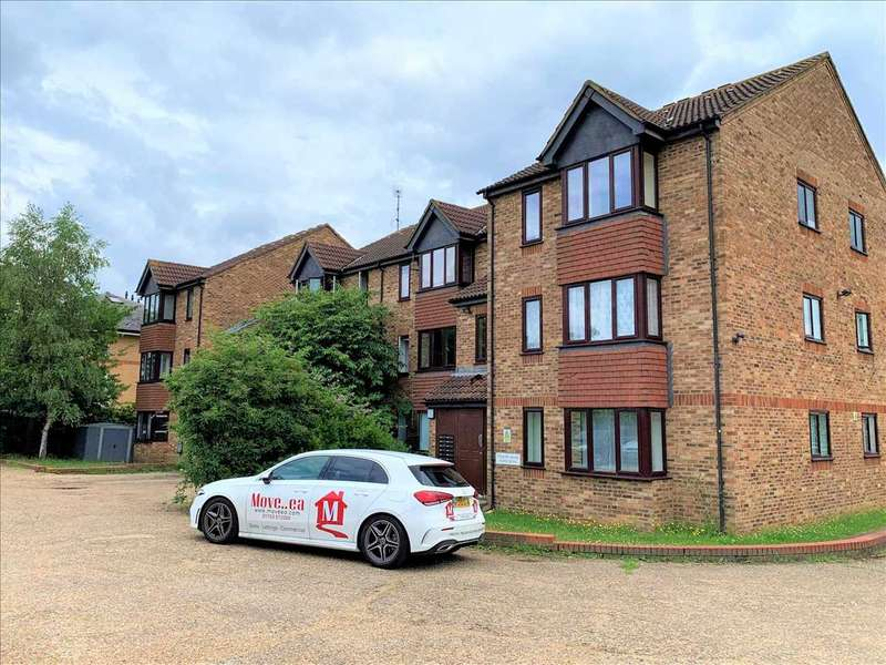 1 Bedroom Apartment Flat for sale in Trevose House, Slough