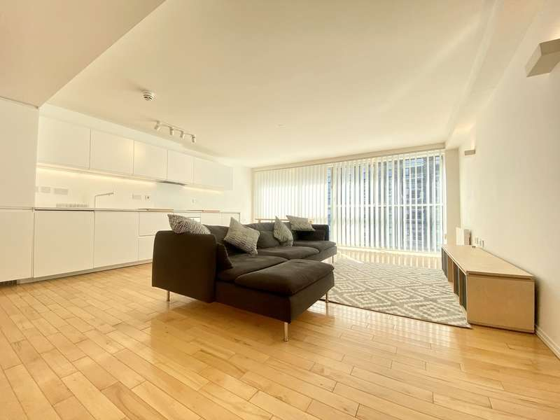 2 Bedrooms Flat for rent in The Mill, South Hall Street