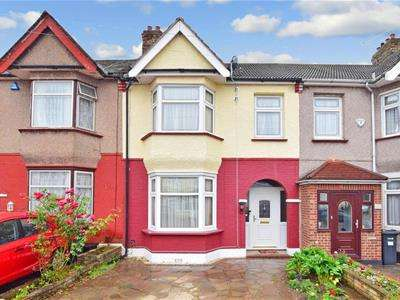 3 Bedrooms House for sale in Gordon Road, Ilford