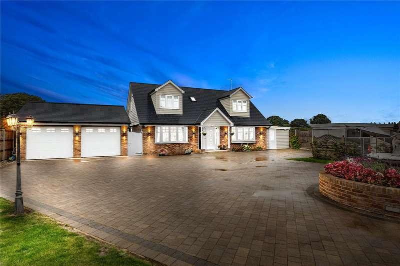 4 Bedrooms Detached House for sale in Woodham Road, Battlesbridge, Wickford, SS11
