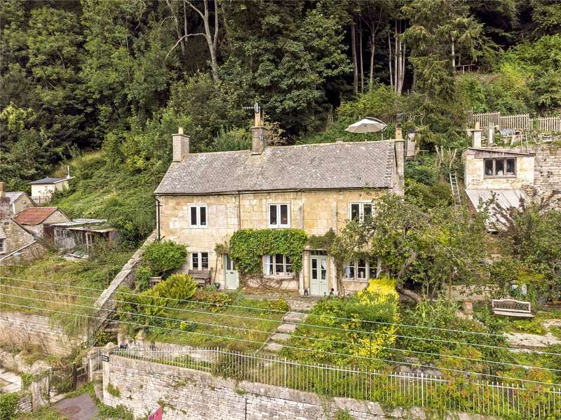 4 Bedrooms Detached House for sale in St. Marys, Chalford, Stroud, Gloucestershire, GL6