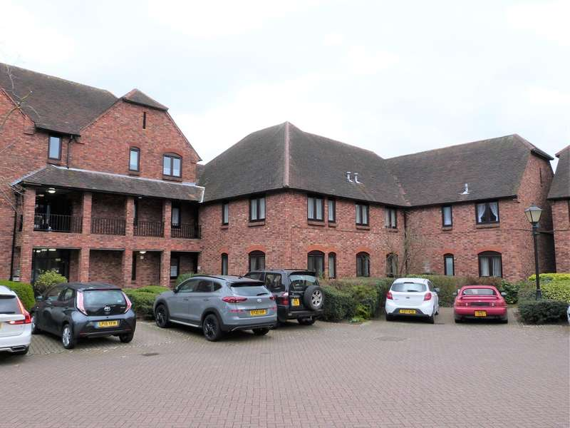 2 Bedrooms Flat for sale in Quaker Lane, Waltham Abbey