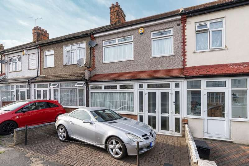 3 Bedrooms Terraced House for sale in Henley Road, Ilford, IG1