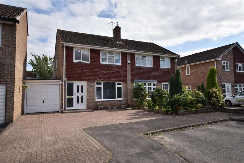 3 Bedrooms Semi Detached House for sale in Roydale Close, Loughborough