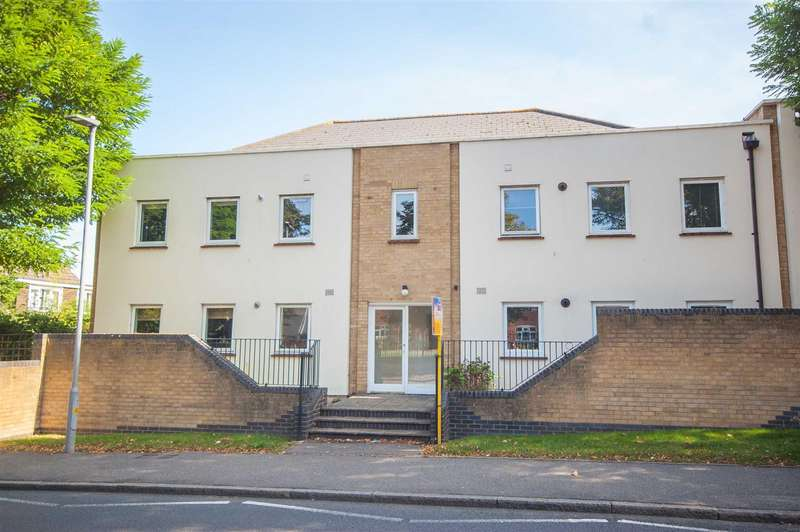 2 Bedrooms Apartment Flat for sale in Wood Street, Chelmsford