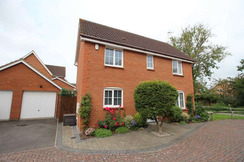 4 Bedrooms Detached House for sale in Samian Close, Heybridge