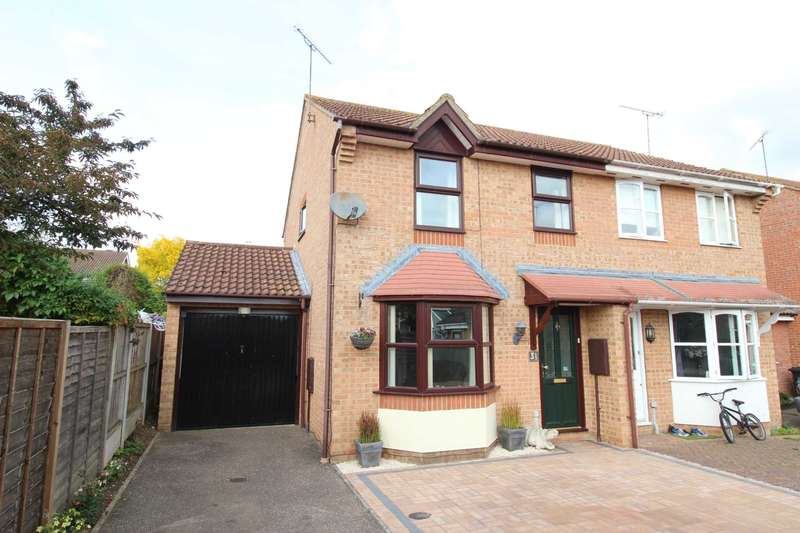 3 Bedrooms Semi Detached House for sale in Blythe Way, Maldon