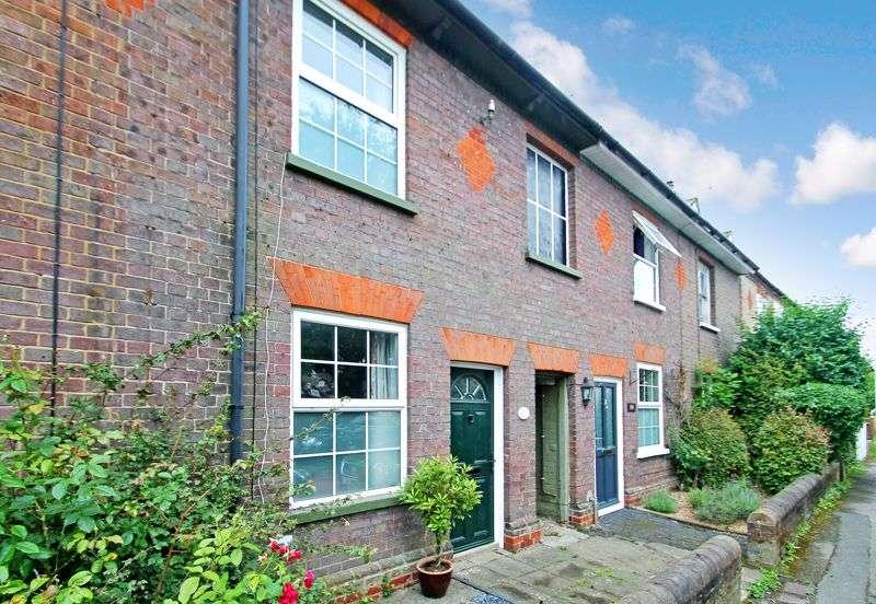 2 Bedrooms Property for sale in Summerleys, Edlesborough, Buckinghamshire