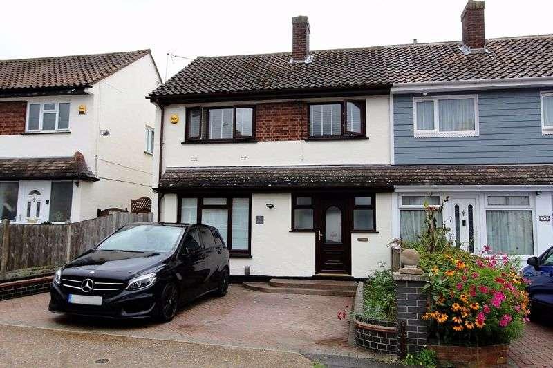 4 Bedrooms Property for sale in Green Road, Benfleet